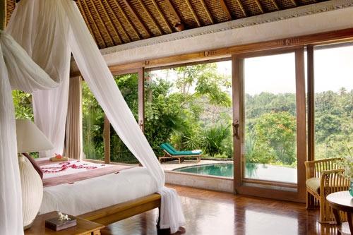 In een groenrijke omgeving net buiten Ubud verblijf je in een villa met privé zwembad! http://www.333travel.nl/hotel/indonesie/333trendy-the-royal-pita-maha/informatie?productcode=H5512