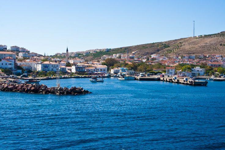 Bozcaada- Çanakkale / Çanakkale'den rahatlıkla ulaşabileceğiniz ada, harika plajlara sahiptir. Şarap cenneti olarak isimlendirmekte doğru olur, zira adada enfes şaraplar imal ediliyor.
