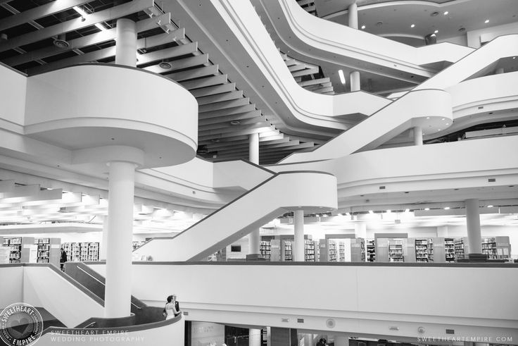 Bride and groom in the architecture of the Toronto Reference Library. #sweetheartempirephotography