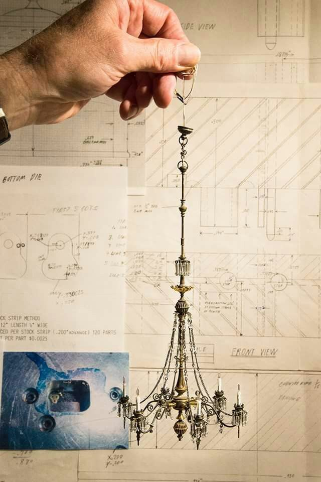 Gorgeous chandelier in 1:12 scale by Scott Hughes.