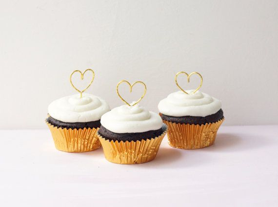 Gold hearts wedding cupcake toppers Cupcakes toppers by Lietofiore