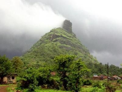 Kothaligad Trek >>>  Kothaligad is a small Fort (1500ft.) is situated to the east of Karjat in the Indian State of #Maharashtra. It is one of the famous treks in the #Karjat area, because of its small height and easy climbing.  #treks   #trekking  #KothaligadTrek #Maharashtra