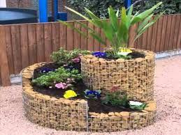 resultado de imagen para patios y jardines decorados