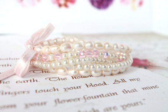 Set Pearl bracelets Set of 5 stretch bracelets Beaded by byHamelin