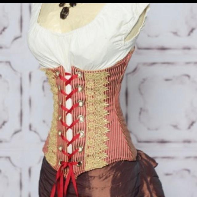 Halloween-Saloon girl costume