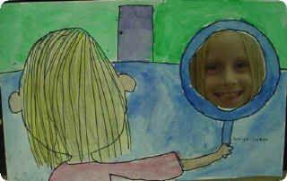 Dibujo original para portada álbum escolar. Foto niño en el reflejo del espejo. Dibujo infantil jugando con los espejos
