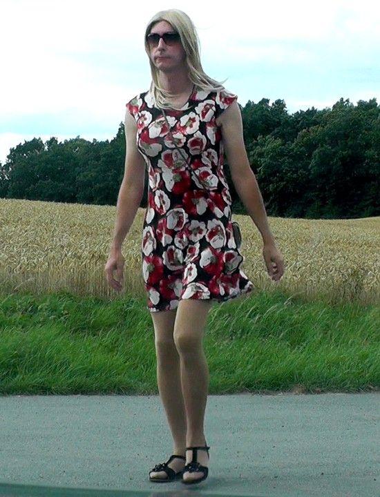 Has realy Cross dress transexual transvestite