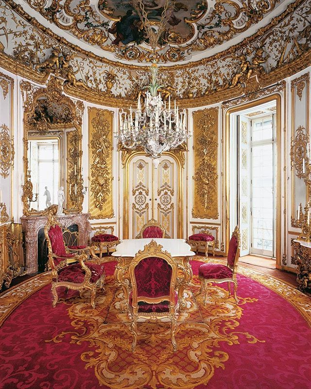Let S Spend The Week Exploring The Wonderful Schloss Linderhof Thanks To Schloesserverwaltung Bayern The Wonderf Baroque Architecture Palace Castle