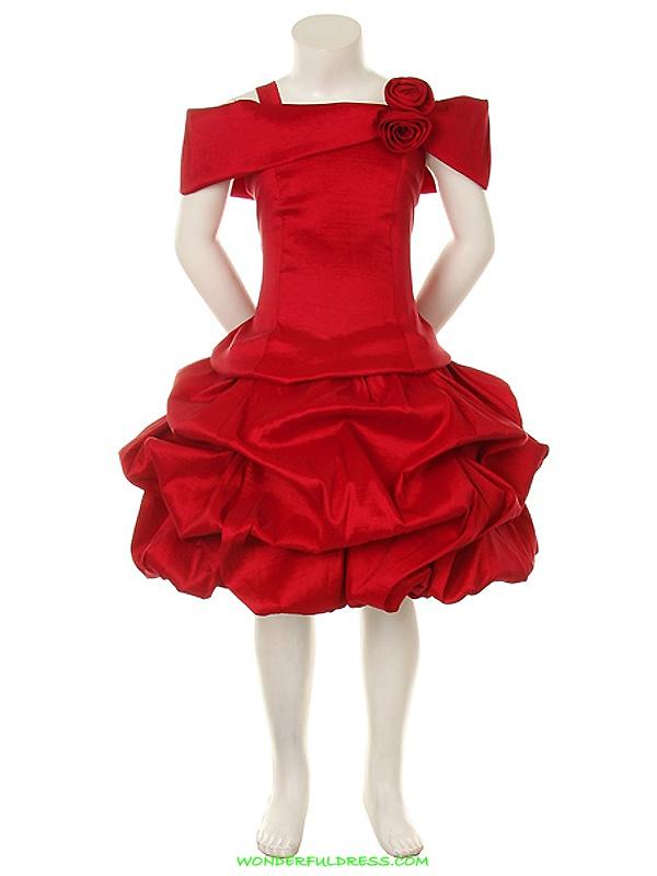 Love this short red flower girl dress for my wedding!