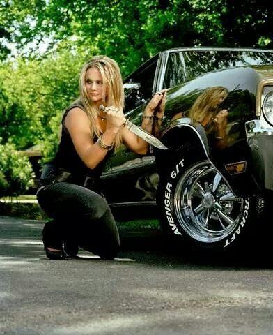What Kind Of Car Does Miranda Lambert Drive