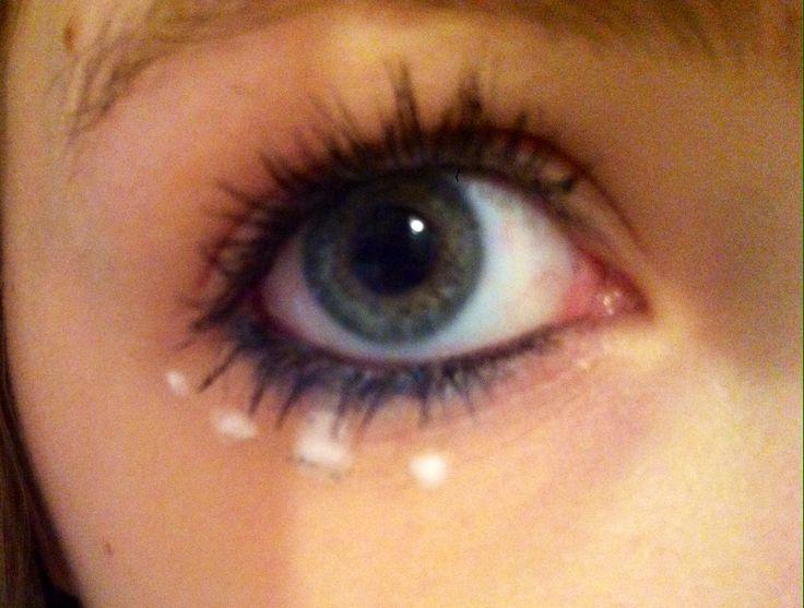 How to do sixties eye makeup
