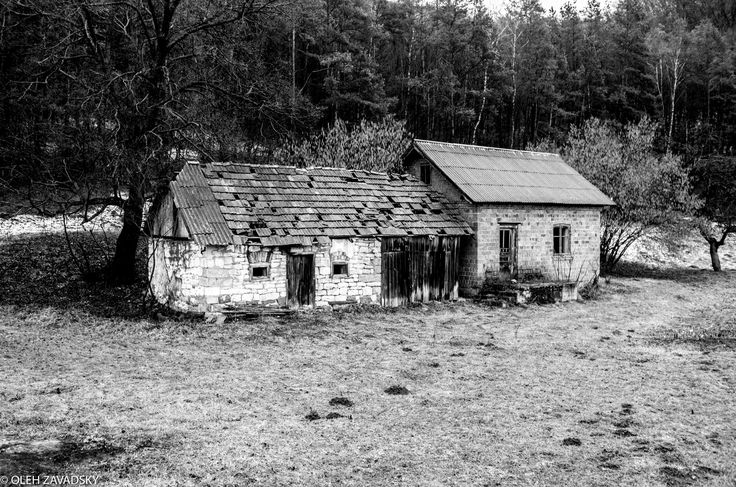 https://flic.kr/p/Wru84r | Embodied Sadness | Sadness isn't any bad. It has its own charm and beauty. Life used to boil in this tiny little house by the road and it stopped one day. People probably just moved out and didn't want to demolish the building… I know nothing about its story, but it's so interesting to know how it felt to sleep there the last night or cook the last dinner. Did they know it was the last one? Or maybe it was the happiest evening and nigh of their live because they…