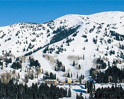 Visit Wyoming and stay at the beautiful Ski Vacation Resorts of Grand Targhee and Jackson Hole. With their year round superb snow condition and great service, you will likely experience a vacation of your dream. Create your own winter history of the two distinct mountains of Wyoming. Visit SkiOrganizers for a great Ski Vacation Packages.