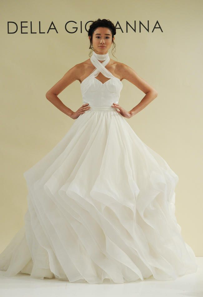 chainmail wedding dress | Della Giovanna Fall 2015 Wedding Dress Collection Includes Gold Chain ...