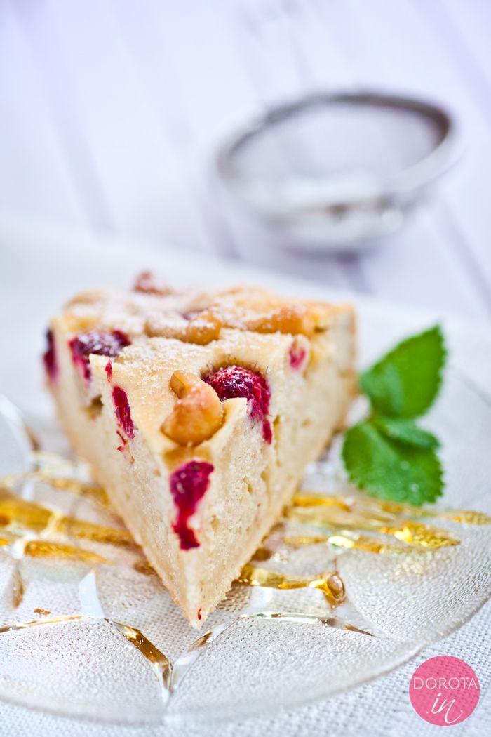 Ciasto z malinami bez miksowania, proste i bardzo smaczne. Uniwersalny #przepis, do przygotowania również w wersji bez mleka, jajek, za to z pysznymi nerkowcami.  http://DOROTA.iN/ciasto-z-malinami/  #kuchnia #ciasto #maliny
