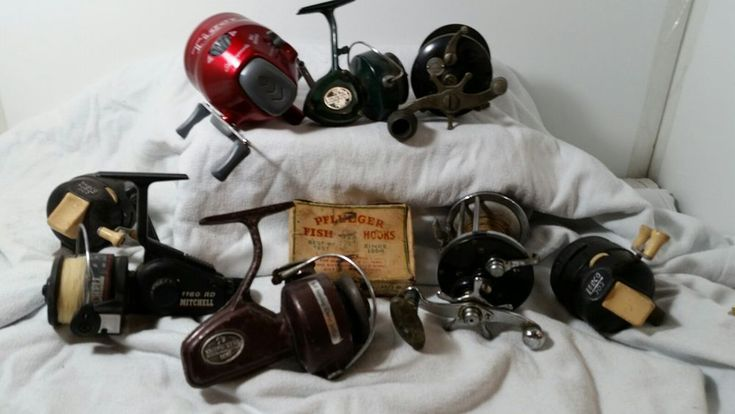 lot of 8 vintage fishing reels  TIGER ZEBCO Mitchell #Zebco
