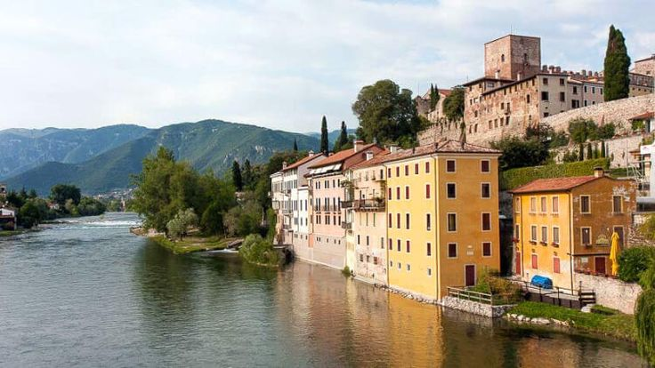 5 charming small Italian cities off the usual tourist radar.