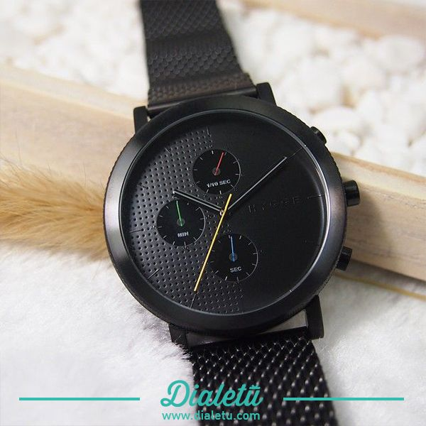 Design First. Unique Accessories.  Dialetu is an online store with exclusive and outstanding products. http://www.dialetu.com/en/serie-2204bcch-metal-band