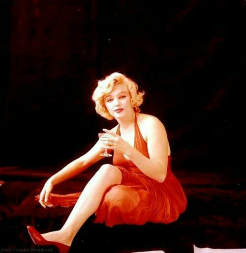 17 best images about marilyn monroe the red dress