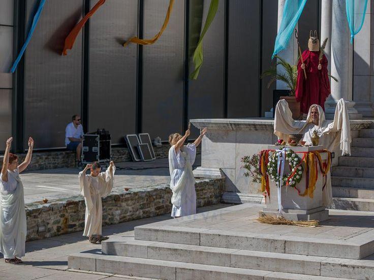 Iseum templomnyitás