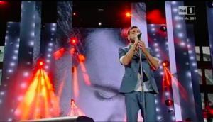 WMA 2015 – Marco Mengoni: una perfomance da vero… Guerriero!