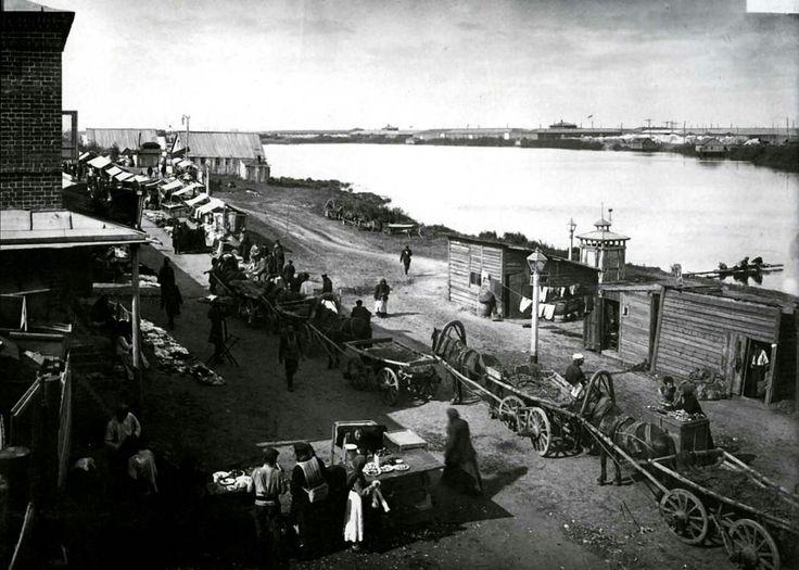 Нижний Новгород. Фото М.П. Дмитриева. 1896 г. Общий вид на Лубочные ряды и Мещерское озеро.