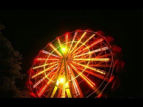 В теплый вечер августа на колесе обозрения в Лазаревском, Сочи. Самое большое колесо обозрения в России, имеет высоту 83,5 метров.