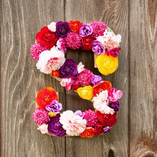 Make a bold and bright flower letter/initial with simple instructions and a few tips!