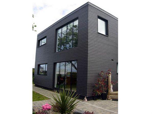 Black windows black weatherboard no architraves - Modern weatherboard home designs ...