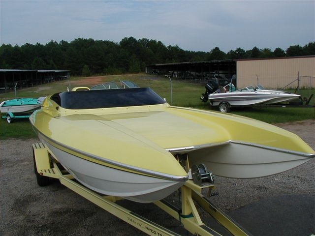 Fast boat, Talon, tunnel hull, 22 footer... Will cruise at 100 mph.....OMG, belongs to my son......pray