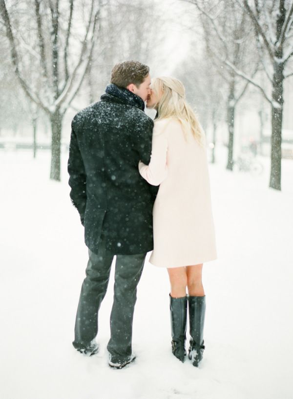 Snowy Chicago Engagement + WIUP – Style Me Pretty