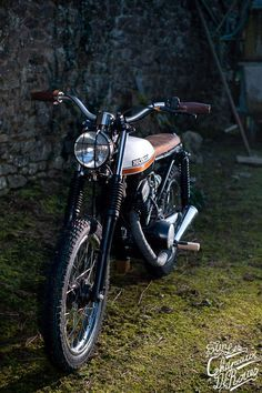 CB 125 Twin – On the Hats of Wheels
