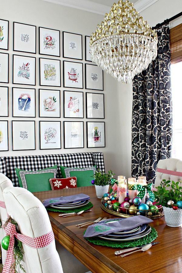 2016 CHRISTMAS HOME TOUR PART 2- KITCHEN, BREAKFAST NOOK, AND POWDER BATH || Lindsay Letters 12 Days of Christmas, Gingham Settee, Ornament Centerpiece, Christmas Tablescape