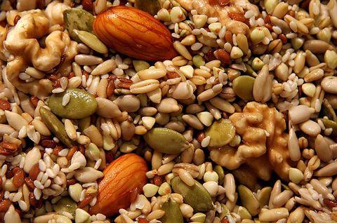 Noci e semi in ammollo