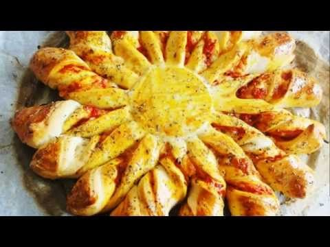 Recette de tarte soleil à partager pour l'apéro - YouTube. C'est super bon avec sauce tomate, jambon, (épinards) et herbes aromatiques.