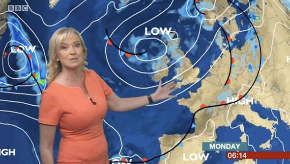 BBC weather: Carol Kirkwood flaunts incredible curves in skintight frock for forecast - https://buzznews.co.uk/bbc-weather-carol-kirkwood-flaunts-incredible-curves-in-skintight-frock-for-forecast -