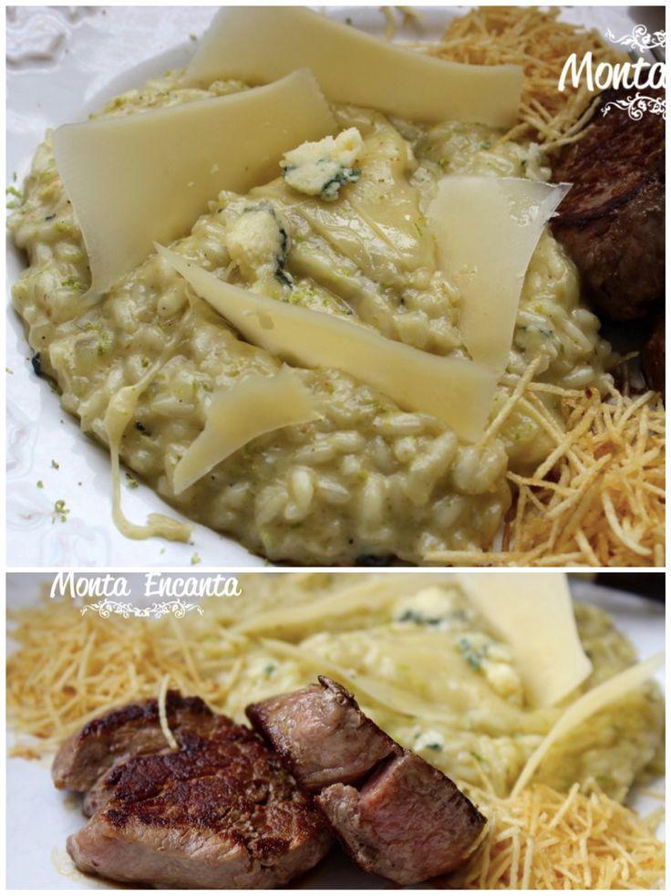 Delicioso risoto de gorgonzola com raspas de limão e lascas de parmesão, servido com medalhões ao ponto de filé mignom