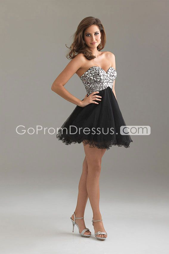 Looking for a dress for my aunt's prom themed party
