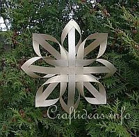 Paper Craft for Christmas - Gold Finnish Star 200 - bet I could figure this out myself...if I had time to....