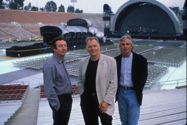 Pink Floyd - The Division Bell Tour. Still the best show I've ever seen.