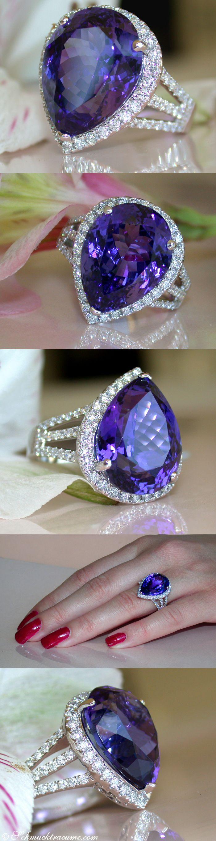 High-End: Huge Tanzanite Diamond Ring, 12,14 cts. WG-18K