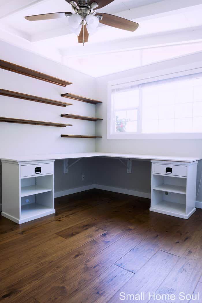Eingebauter Diy L Formiger Schreibtisch Ist Abgeschlossen