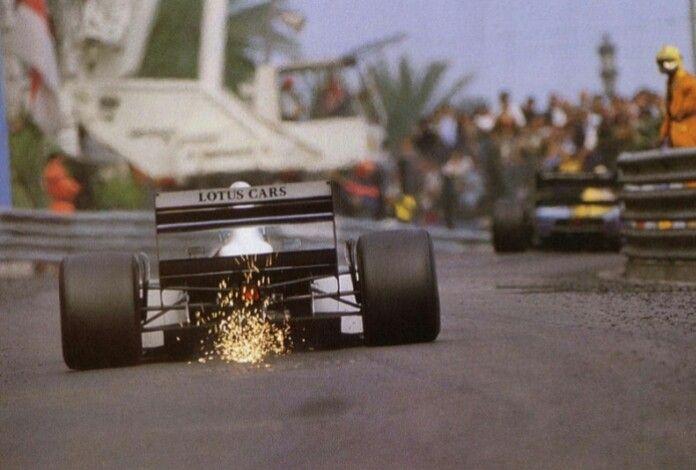 #11 Mika Hakkinen...Team Lotus...Lotus 107...Motor Ford Cosworth HB V8 3.5...GP Monaco 1992