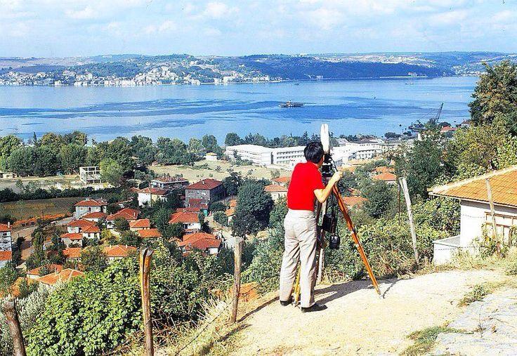 TRT için çekim yapan bir kameraman #Paşabahçe #Beykoz 1973 #istanbul #istanlook