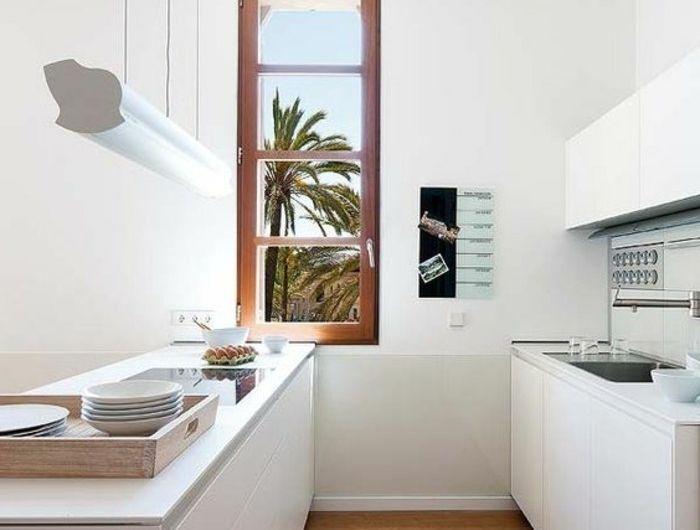 excellent milles conseils comment choisir un luminaire de cuisine with luminaire castorama. Black Bedroom Furniture Sets. Home Design Ideas