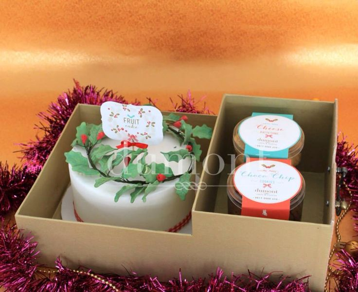 Holy wreath cake and 2 jars of our signature home made cookies in a set