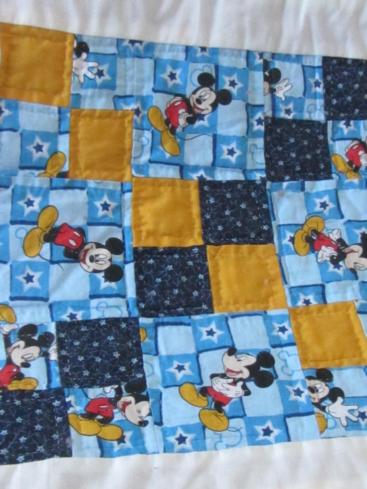 7 Top Tips For Throwing A Grand Party In A Small Home: 92 Best Images About Disney Quilts On Pinterest