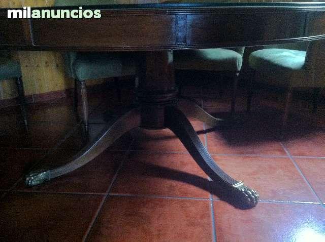 #mesa #antiguedades #nogal MESA REDONDA COMEDOR  Y SILLONES.  - foto 2