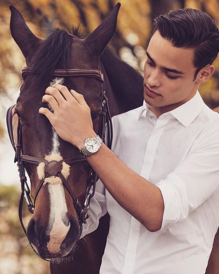 Das Gleichgewicht zwischen dem Tragen von schöner Kleidung und dem Zusammensein mit Pferden ist nahezu unmöglich.