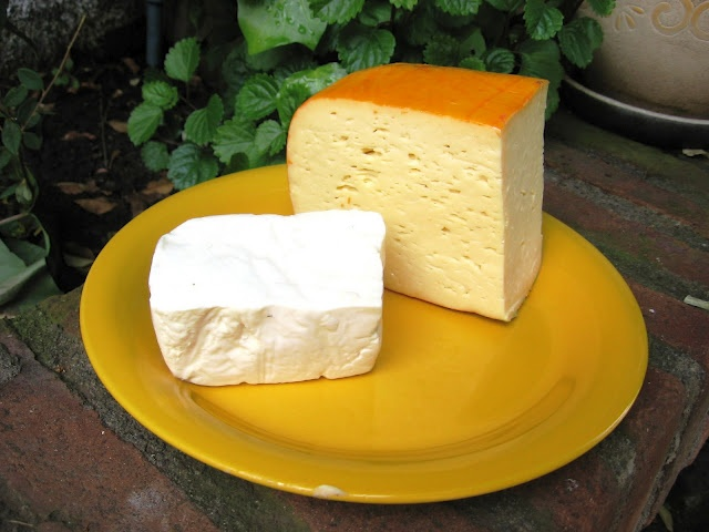 Eating Chilean: Chilean Cheese  Be still my beating heart. How I miss this cheese.